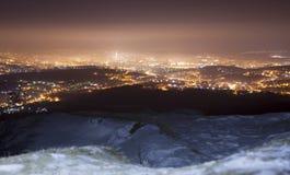 Iasi stadshorisont på natten Fotografering för Bildbyråer