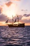 Iate da navigação, cruzeiro em um catamarã imagem de stock royalty free