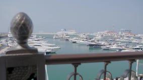 Iate da vela no porto marítimo vídeos de arquivo