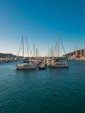 Iate e barcos na porta de Cartagena. Foto de Stock