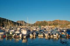 Iate e barcos na porta de Cartagena. Imagem de Stock