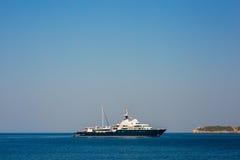 Iate e barcos no mar de adriático Imagens de Stock Royalty Free