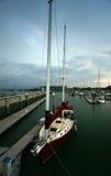 Iate em um porto Fotos de Stock Royalty Free