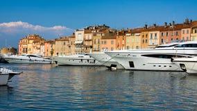 Iate luxuosos em Saint-Tropez fotografia de stock