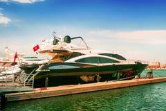 Iate luxuosos em Saint-Tropez, France Imagem de Stock Royalty Free