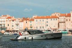 Iate luxuosos em Saint-Tropez, France Fotografia de Stock