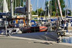 Iate no porto em Kolobrzeg Fotografia de Stock Royalty Free