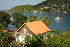 Iate que apreciam uma ancoragem calma nas ilhas de barlavento Fotografia de Stock