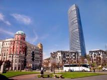 Iberdrola står hög i Bilbao, Spanien arkivbilder