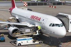 Iberia drogi oddechowe samolotowe przy Budapest lotniskiem Hungary Obrazy Stock