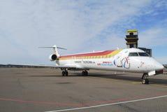 Iberia-Flugzeug CRJ 900 Lizenzfreie Stockfotografie