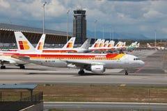 Iberia flygbuss A320 i Madrid Royaltyfri Foto