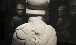 Iberian krigare med det dubbla pansaret av Porcuna, Jaen Reflexioner Arkivfoton