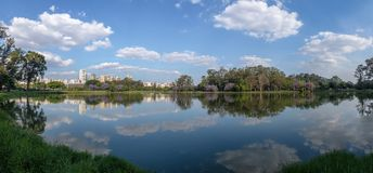 Ibirapuera Park湖-圣保罗,巴西全景  免版税库存图片