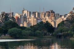 Ibirapuera parkerar royaltyfri bild