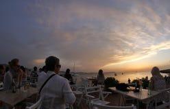 IbizaÂs solnedgång 004 för terrassstång Royaltyfri Bild