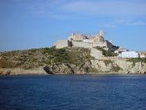 Ibiza alte Stadt gesehen vom Meer stockbilder