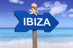 Ibiza avec la plage en été des vacances Photos libres de droits