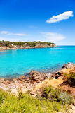 Ibiza met turkoois water in Balearic Stock Foto's