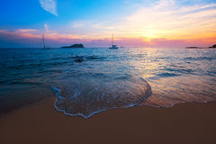 Ibiza solnedgång från Cala Conta Comte i San Jose royaltyfri foto