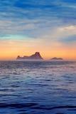 Ibiza zmierzch w Morze wysp widok od morza Fotografia Stock