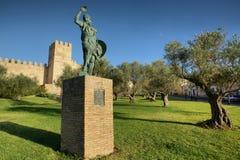 Ibn马尔万,巴达霍斯,西班牙的创建者雕象  免版税库存照片