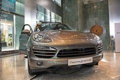 Ibrido di Porsche Caienna Fotografie Stock Libere da Diritti