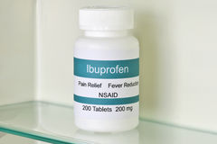 Ibuprofen Geneeskundekabinet stock foto