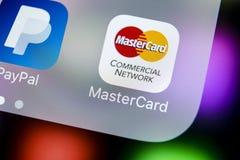 Icône d'application de MasterCard sur le plan rapproché d'écran de l'iPhone X d'Apple Icône de Master Card Programme d'applicatio Photo stock