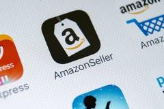 Icône d'application de vendeur d'Amazone sur le plan rapproché d'écran de l'iPhone X d'Apple Icône de Google AmazonSeller APP App Photos stock