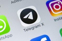 Icône d'application du télégramme X sur le plan rapproché d'écran de l'iPhone X d'Apple Icône du télégramme X APP Le télégramme X Image stock