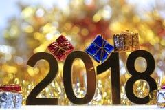 Icône 2018 3d numérique d'or avec le boîte-cadeau Image libre de droits