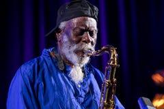 Icône du jazz du monde - ponceuses de Pharoah l'icône Quartetet vivant sur l'étape de Kijow Centre à l'été Jazz Festival à Cracov Photos stock
