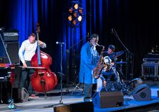 Icône du jazz du monde - ponceuses de Pharoah l'icône Quartetet vivant sur l'étape de Kijow Centre à l'été Jazz Festival à Cracov Photos libres de droits