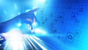 Icônes d'application sur l'écran virtuel Concept de technologie et d'affaires photo stock