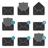 Icônes d'avis d'enveloppe de courrier réglées Concept des messages électroniques entrants, communication, service de distribution Photographie stock