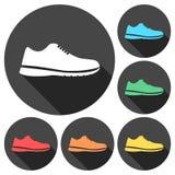 Icônes de chaussure de sport réglées avec la longue ombre Photos stock