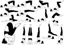 Icônes de femme faisant le yoga dans différentes poses retournées Photos stock