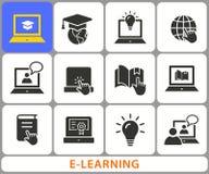 Icônes de formation à distance d'apprentissage en ligne L'ensemble de chapeau d'obtention du diplôme, formation, ordinateur porta Photographie stock libre de droits