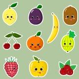 Icônes des autocollants souriants de fruit avec un contour blanc dans l'ensemble Images stock