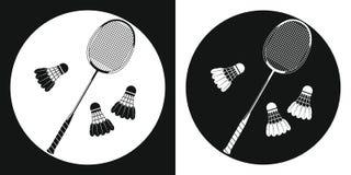 Icône de raquette de badminton Silhouettez la raquette de tennis et le volant du badminton trois sur un fond noir et blanc Folâtr Image libre de droits
