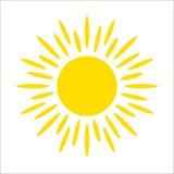 Icône jaune du soleil d'isolement sur le fond blanc Lumière du soleil plate, signe Symbole d'été de vecteur pour la conception de Photo stock