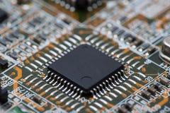 IC nero sul circuito Immagini Stock
