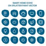 Icônes à la maison futées sur la peinture bleue d'éclaboussure Icônes plates Image stock