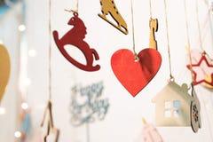 Icônes colorées de figurines de joyeux anniversaire Photographie stock libre de droits