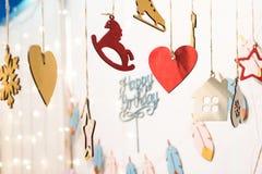 Icônes colorées de figurines de joyeux anniversaire Photographie stock