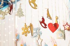 Icônes colorées de figurines de joyeux anniversaire Photo stock