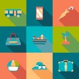 Icônes colorées par appartement de voyage avec l'ombre Illustration Libre de Droits