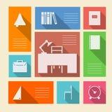 Icônes colorées pour des fournitures scolaires avec l'endroit pour le texte Image libre de droits