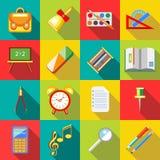 Icônes de fournitures scolaires réglées, ctyle plat Photographie stock libre de droits